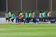 Mit Verzögerung ist die Nationalmannschaft Saudi-Arabiens ins Trainingslager nach Bad Ragaz eingerückt. Die Trainings finden allerdings unter Ausschluss der Öffentlichkeit statt – selbst für die Medien war nach 15 Minuten Schluss. (Bild: Reto Voneschen)