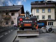 Die Foffa Conrad AG zieht vor das Bundesverwaltungsgericht. Das Bauunternehmen wehrt sich gegen die millionenschwere Weko-Busse für die Zugehörigkeit zum Unterengadiner Baukartell. (Bild: KEYSTONE/GIAN EHRENZELLER)