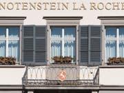 Die Raiffeisengruppe verkauft ihre Privatbank La Roche an den Vermögensverwalter Vontobel für 700 Millionen Franken. (Bild: KEYSTONE/GIAN EHRENZELLER)