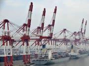 Laut economiesuisse profitiert die Schweiz vom Freihandelsabkommen mit China. (Bild: KEYSTONE/EPA/MARK)