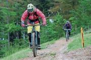 Wie dürfen Biker den Wald nutzen? Über diese Frage gibt es vielerorts unterschiedliche Ansichten. Archivbild: Roger Zbinden