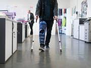 Die Kantone sind zwar offen, Beiträge an ambulante Behandlungen zu leisten, stellen dazu aber mehrere Bedingungen. (Bild: KEYSTONE/GAETAN BALLY)