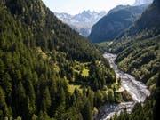 Das Val Bondasca hinter Bondo bleibt weiterhin gesperrt. Es drohen weitere Bergstürze und Murgänge. (Bild: KEYSTONE/GIAN EHRENZELLER)