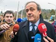 Michel Platini im Zentrum eines Skandals (Bild: KEYSTONE/WALTER BIERI)