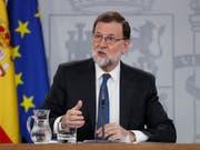 Rajoy steht nach Gerichtsurteilen in einem Korruptionsskandal gegen seine Partei unter massivem Druck. Die Opposition fordert Neuwahlen. (Bild: KEYSTONE/AP)