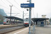 Der Bahnhof Flüelen soll durch die neue Haltestelle für die konzessionierte Fernbuslinie auf der Nord-Süd-Achse eine Aufwertung erfahren. (Bild: Corinne Glanzmann, Flüelen, 7. April 2017)