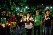Kinder gedenken der Opfer mehrerer Anschläge in Surabaya. (Bild: Mast Irham/EPA (Jakarta, 14. Mai 2018))