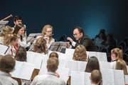 Voller Einsatz: Die Jugendmusik Sursee unter der Leitung von Kazuo Watanabe. (Bild: Pius Amrein (Eschenbach, 26. Mai 2018))