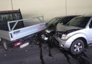 Die drei Unfallfahrzeuge wurden stark beschädigt. (Bild: Kapo Uri (Altdorf, 25. Mai 2018))