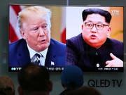 US-Präsident Donald Trump und Nordkoreas Machthaber Kim Jong Un verhandeln weiter über ein mögliches direktes Treffen am 12. Juni in Singapur. (Bild: KEYSTONE/AP/AHN YOUNG-JOON)