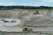 Die Vorräte in der bestehenden Kiesgrube Hüerbüel nähern sich in einem Jahr dem Ende zu. (Bild: Thomas Güntert)
