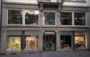 """Die Schaufenster des """"Finnshop"""" an der Neugasse 33. (Bilder: Reto Voneschen)"""