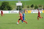Gut in Szene gesetzt: Sven Düring (am Ball) bereitete das 2:1 vor und erzielte das 3:1 für Bazenheid gleich selber. (Bild: Beat Lanzendorfer)