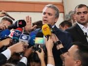 Iván Duque hat die erste Runde der Präsidentschaftswahl in Kolumbien gewonnen - weil er aber keine 50 Prozent der Stimmen erreichte, kommt es im Juni zur Stichwahl mit dem Zweitplatzierten. (Bild: KEYSTONE/EPA EFE/MAURICIO DUENAS CASTANEDA)