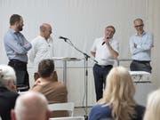 Diskussion über bauliche Herausforderungen im Kanton Nidwalden (von links): Stefan Kurath, Köbi Gantenbein (Moderation), Regierungsrat Josef Niederberger und Angelus Eisinger. (Bild: Christian Hartmann/PD)