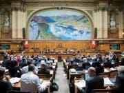 Eine Landeshymne pro Legislatur genügt: Der Nationalrat will den Schweizerpsalm nicht zu Beginn jeder Session singen. (Bild: Keystone/PETER KLAUNZER)
