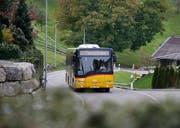 Das Postauto 661 von Menzingen nach Finstersee wird Ende 2018 eingestellt. (Bild: Stefan Kaiser, 4. Oktober 2017)