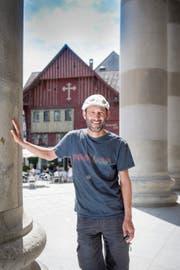 Vorarlberger Kultur-Zampano: Herwig Bauer auf dem Marktplatz seines Wohnorts Dornbirn. (Bild: Urs Bucher)