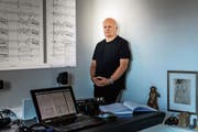 Komponist und Informatiker Christoph Schnell: «Beim Schreiben von Musik kommt das Analytische immer wieder durch.» (Bild: Michel Canonica)