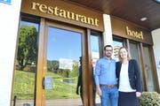 Romy Renker und Tiago Fonseca führen das Hotel Toggenburg in Wildhaus ab dem 1. Juni als Pächter. (Bild: Sabine Schmid)