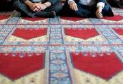 Islamische Gebetsstätten und Imame sollen nach dem Willen des Ständerats weiterhin Gelder aus dem Ausland annehmen dürfen.. (KEYSTONE/Peter Schneider)