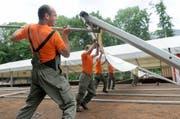 Mai 2008: Vorbereitungen für das Zentralschweizer Turnfest in Kerns sind im Gange. (Archivbild: OZ)