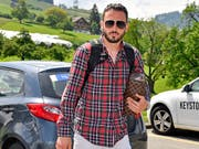 Josip Drmic rückt optimitisch ins Nati-Trainingslager ein (Bild: KEYSTONE/WALTER BIERI)