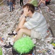 Am Boden zerstört: Ein St.Galler Anhänger nach dem Schlusspfiff. (Ralph Ribi)