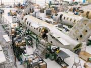 Der Hauptfokus lag 2017 beim Aufbau der Serienproduktion des neuen Düsenflugzeuges PC-24. (Bild: KEYSTONE/CHRISTIAN BEUTLER)