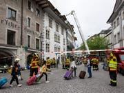 Am Anfang des Grosseinsatzes der Luzerner Feuerwehr wegen eines Brandes am Franziskanerplatz stand brennendes Öl in der Hotelküche. (Bild: KEYSTONE/ALEXANDRA WEY)