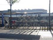 Die zweistöckigen Abstellplätze an der Zentralstrasse. (Bild: PD)