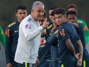Daumen hoch für Brasilien und seinen Coach Tite (Bild: KEYSTONE/AP/LEO CORREA)