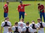 Herkulesaufgabe: Stanislaw Tschertschessow (Mitte) soll Russland an der Heim-WM zum Erfolg coachen (Bild: KEYSTONE/EPA EXPA/JAKOB GRUBER)