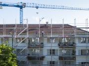 Sendet negative Signale und drückt damit auf das KOF-Konjunkturbarometer: Die Bauwirtschaft. (Bild: KEYSTONE/PETRA OROSZ)