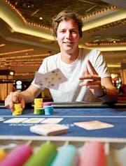 Mischt weltweit in der obersten Liga mit: der St.Galler Pokerprofi Stefan Huber. (Bild: Urs Bucher)
