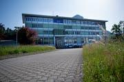 Auf dem Areal beim Sadec-Gebäude hat der Gemeinderat einen Standort für das neue Feuerwehrlokal gefunden. (Bild: Corinne Glanzmann (Stansstad, 30. Mai 2018))