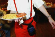Mit erschwinglichen Mittagsmenus kann das Mittagsgeschäft der Restaurants auf dem Land derzeit gehalten werden. (Symbolbild: PD)