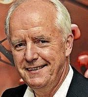 Adi Fischer 1952 in Dornbirn, lebt in Wolfurt. Spielte zehn Jahre in der Vorarlberg-Liga (FC Wolfurt); die ORF-Karriere des späteren Chefredakteurs begann in der Sportredaktion; 2008 veröffentlichte er ein inzwischen vergriffenes Buch über die Grössen des Vorarlberg Fussballs.