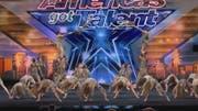 Die Götzner Akrobatikgruppe Zurcaroh steht im Finale der größten Talenteshow der Welt.