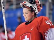 Nach elf WM's und vier Olympischen Spielen ist Schluss: Florence Schelling, die langjährige Stammkeeperin das Schweizer Frauen-Eishockey-Nationalteams, tritt im Alter von 29 Jahre zurück (Bild: KEYSTONE/GIAN EHRENZELLER)