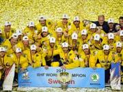 """Als Titelverteidiger startet Schweden zur Eishockey-WM in Dänemark. """"Tre Kronor"""" gehört zusammen mit Kanada und Olympiasieger Russland auch dieses Mal wieder zu den Favoriten (Bild: KEYSTONE/AP/MARTIN MEISSNER)"""