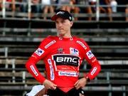 Dank Bonifikationen im Zwischensprint: Der Australier Rohan Dennis aus dem amerikanisch-schweizerischen Team BMC übernimmt am zweiten Tag des Giro 2018 die Gesamtführung (Bild: KEYSTONE/EPA/SEBASTIEN NOGIER)