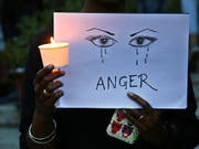 Die Berichte über Vergewaltigungen von jungen Mädchen in Indien reissen nicht ab, obwohl viele gegen Sexualgewalt auf die Strasse gehen - so wie hier in Bangalore. (Bild: KEYSTONE/AP/AIJAZ RAHI)