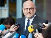 Nach dem Treffen von JuntsXCat verkündet Parteisprecher Pujol, Carles Puigdemont ein letztes Mal zur Wahl zum katalanischen Regierungschef aufgestellt wird. (Bild: KEYSTONE/EPA/HAYOUNG JEON)