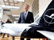Lufthansa-Chef Carsten Spohr kann am Dienstag gelassen an die Generalversammlung, denn seine Bilanz ist positiv (Archiv). (Bild: KEYSTONE/AP/MICHAEL PROBST)