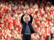 Arsène Wenger verabschiedet sich bei seinem letzten Heimspiel von den Arsenal-Fans (Bild: KEYSTONE/AP/MATT DUNHAM)