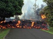 Lava des Vulkans Kilauea hat bisher auf Hawaii rund 30 Häuser zerstört. (Bild: KEYSTONE/AP U.S. Geological Survey)