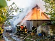 Beim Hausbrand in Böel im deutschen Bundesland Schleswig-Holstein kam ein fünfjähriges Mädchen ums Leben. (Bild: Keystone/DPA/BENJAMIN NOLTE)