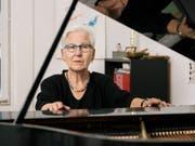 Die Jazzpianistin Irène Schweizer erhält den Grand Prix Musik 2018. (Bild: Keystone/CHRISTIAN BEUTLER)