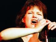 Die belgische Sängerin Maurane, hier an einem Konzert 1997, ist am 8. Mai 2018 im Alter von 57 Jahren in Brüssel gestorben. (Bild: Keystone/MARTIAL TREZZINI)